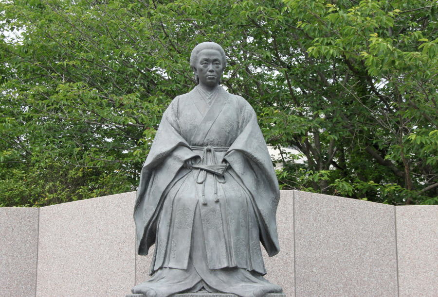 「天璋院(篤姫)」の銅像 「天璋院(篤姫)」(1836-1883) 2008年のNHK大河ドラマ